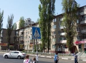 Две многоэтажки на улице Моисеева в Воронеже жили месяц без горячей воды по вине «укашки»