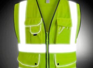 Воронежским водителям напомнили, что с 18 марта необходимы световые жилеты
