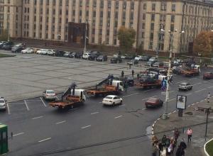 В ожидании короткой встречи Путина и Гордеева оцепили площадь Ленина