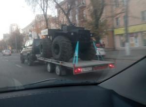 Неведомый вездеход сфотографировали на дороге в Воронеже