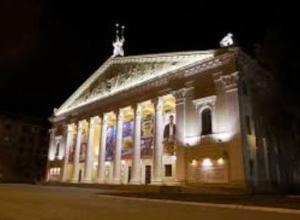 Зрителей спектакля бросили у входа в закрытый «Театр оперы и балета» в Воронеже