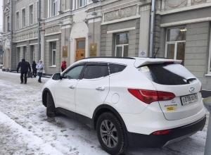 «Дорожный контроль» поймал вице-мэра Воронежа Антиликаторова на наглой парковке