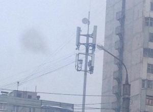 Воронежцев встревожило странное оборудование над светофором