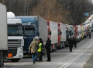 На трассах в Воронежской области ограничат движение фур