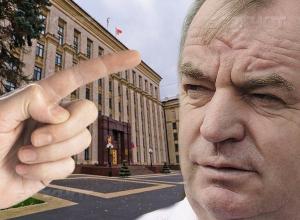 В Воронежской области новоусманский префект Владимир Чернышов ожидаемо ушел в отставку