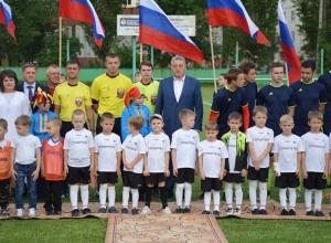 Сенатор Лукин: «Такие массовые виды спорта, как футбол, во многом определяют здоровье нации»
