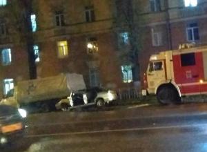 Водитель ВАЗ протаранил в Воронеже три припаркованные машины и остался невредим