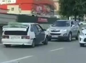 Гостя с юга наказали в Воронеже за наглый объезд пробки