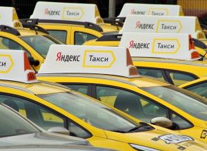 Жизнь пассажиров Яндекс.Такси в Воронеже застраховали на 2 млн рублей