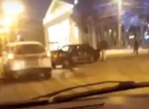 Последствия ДТП с пострадавшей девушкой на площади Ленина в Воронеже попали на видео