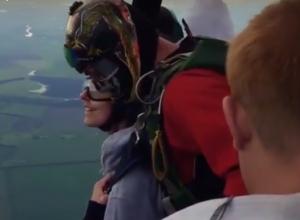 Экстремальный прыжок с воздушного шара над Воронежем попал на видео