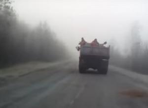 Воронежец снял на видео необычный способ борьбы с гололедом