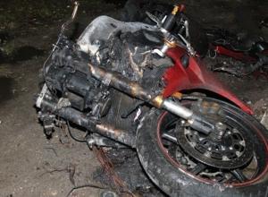 В Воронеже ночью огонь уничтожил мотоцикл