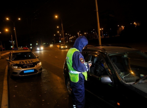 Ночью в Воронеже сотрудники ГИБДД будут останавливать всех автомобилистов