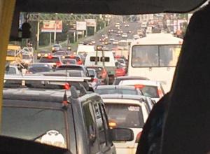 Авария у Вогрэсовского моста втянула воронежцев в плотную пробку