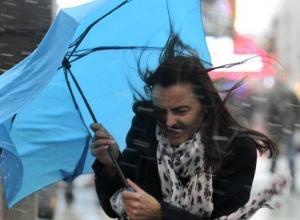 Срочное штормовое предупреждение: в ближайшее время в Воронеже усилится ураган