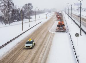 В Воронежской области федеральные трассы убирали 79 единиц техники
