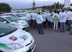 Около 50 уникальных электромобилей и мотоциклов выставили на Адмиралтейской площади Воронежа