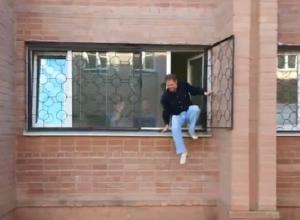 Профессор ВГУ после зачета выпрыгнул в окно из аудитории