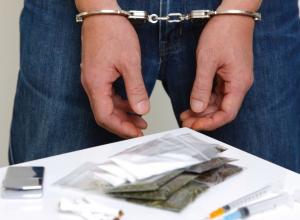 Молодые супруги попались на торговле наркотиками в Воронеже