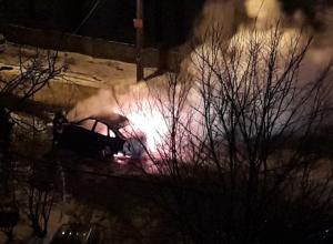 В Воронеже на ходу загорелся новый автомобиль