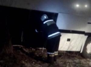 Рейсовый автобус вылетел в кювет на трассе под Воронежем