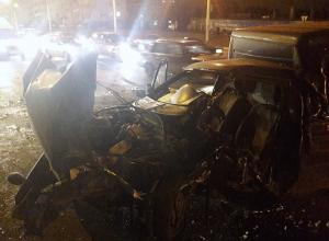 Последствия ДТП с участием 6 автомобилей у Вогрэсовского моста попали на видео
