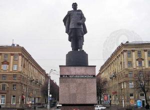 В День памяти и скорби в Воронеже перекроют дорогу у памятника Черняховскому