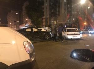 Опубликованы снимки с места жесткого столкновения BMW X6 и ВАЗа в Воронеже
