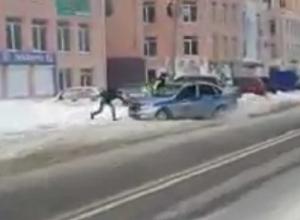Воронежец в одиночку спас полицейских из снежного плена
