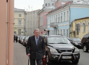 Фото экс-главы Воронежской области спровоцировало исторический спор