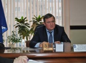 Замешанный в захвате воронежского катка депутат Чистяков срубил почти 8 млн