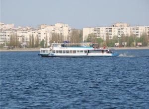 Туристы сообщили о столкновении теплохода с причалом в Воронеже