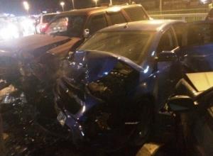 Четыре человека пострадали в массовом ДТП под Воронежем