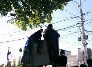 Давка возникла на Параде Победы в Воронеже