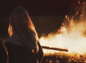 Жительница Воронежа оставила в полыхающей квартире годовалую дочку