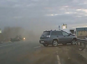 Жуткое лобовое столкновение автомобилей на воронежской трассе попало на видео