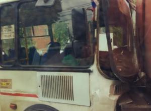 Последствия ДТП «Пазика» и водовоза попали на видео в Воронеже