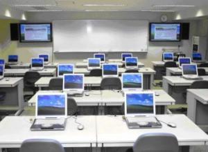 Воронежские школьники могли смотреть порно прямо на уроках информатики