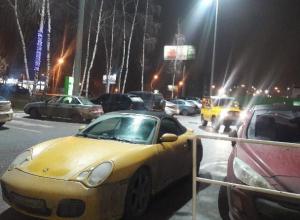 Воронежцы назвали «гнилым» Porsche Boxster, сфотографированный на парковке