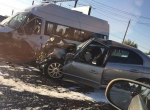 Снимки чудовищной аварии на улице Ленина в Воронеже опубликовали в Сети