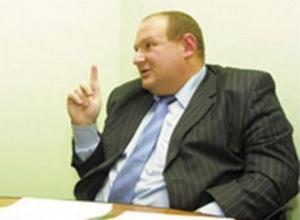 Живший на 100 рублей в день «маршруточный олигарх» Крутских вновь заговорил о повышении цен на проезд