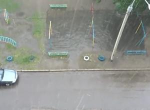 Сильнейшая гроза с градом в Северном районе Воронежа попала на видео