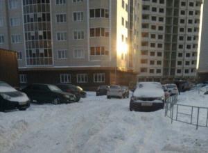 Воронежские коммунальщики прокомментировали заснеженные дороги в Советском районе