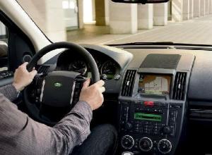 Мужчина скончался за рулем Land Rover под Воронежем