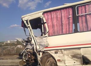 Водитель микроавтобуса умер в больнице после столкновения с ПАЗ в Воронежской области