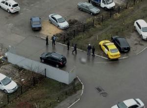 В Воронеже посреди дороги умер мужчина