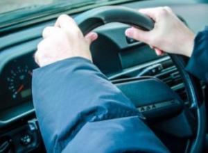 Воронежец накануне 23 февраля угнал машину бывшей любовницы