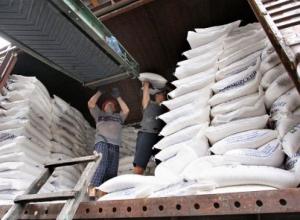 Завскладом воронежского завода ответит за травмы грузчика от мешков сахара