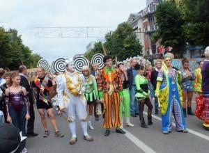 День России в Воронеже отметят парадом уличных театров